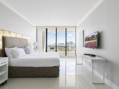 Photo for Luxury One Bedroom Penthouse