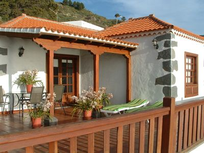 Photo for Casa los Viñedos (A) with views of the sea, the mountains and the volcanoes.