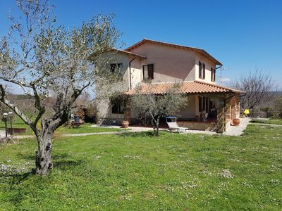 Photo for Beautiful villa surrounded by nature, located in Melezzole a few miles from Todi