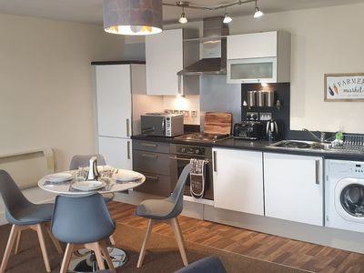 Photo for Stunning Apartment - 10 Minutes From leeds