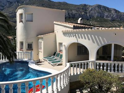 Photo for 3 bedroom Villa, sleeps 6 in Vila-real with Pool, Air Con and WiFi