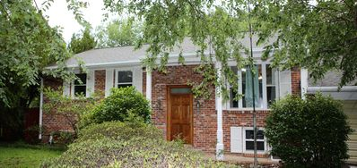 Photo for Pet Friendly James Island Home 10 mins to Folly and 10 to Downtown.