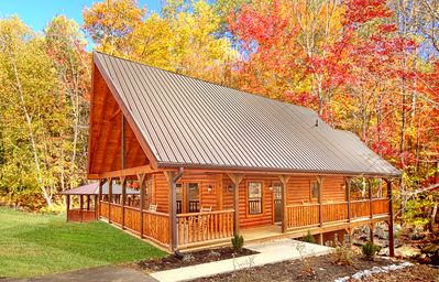 Photo for 2 Bedroom Cabin with 2 master suites, Gazebo Hot Tub, Pool Table and Internet