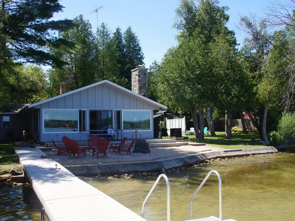 The Lake House Near Sleeping Bear Dunes Maple City
