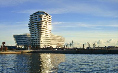 Hafencity, Marco Polo Tower, exclusive Lage, Luxus pur, Hafenblick -  Hamburg-Mitte