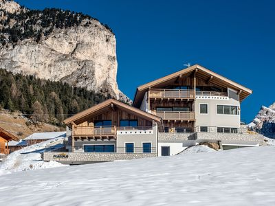 Photo for Luxurious, Ski-In/Ski-Out Chalet with Sauna, Terrace, Wi-Fi and Parking