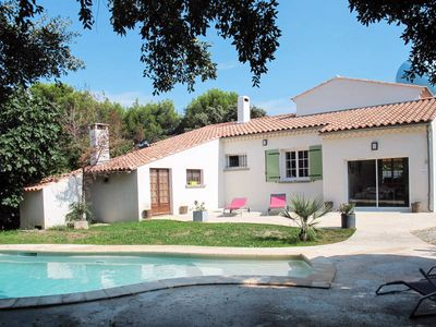 Photo for Vacation home La Viste  in Eyragues, Aix Avignon surroundings - 6 persons, 3 bedrooms