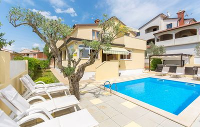 Photo for Apartment Complex Sani with Pool / Three-Bedroom Apartment Sani I with Shared Pool and Hot Tub