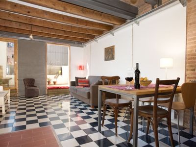 "Photo for IDEAL FOR VISITING BARCELONA! QUIET & CHARMING ""ACOMODIS"" APARTMENT WITH KITCHEN"