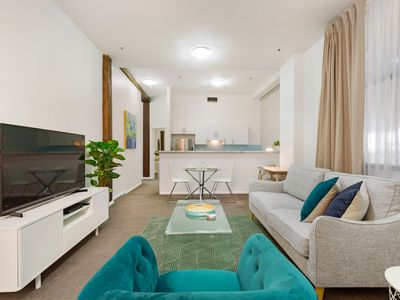 Photo for Ultra Convenient Apartment A Stroll From CBD
