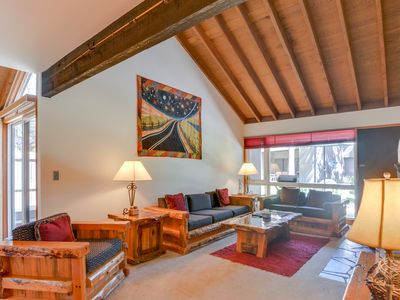 Photo for A private hot tub awaits at this Sunriver condo, SHARC passes!