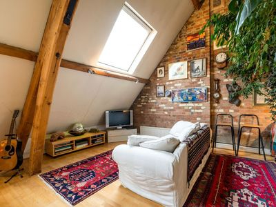 Photo for NEW Superb 3 Bedroom Flat Close to City of London!