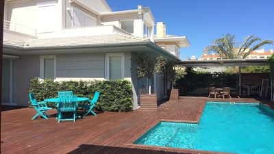 Photo for House with 4 beds for those looking for space, good taste and privacy, 200 m from the sea.