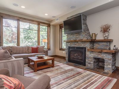 Photo for Newly furnished 4-bedroom townhome on Sierra Star Golf Course, 3 minutes from the slopes