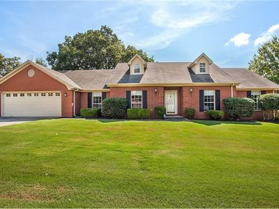 Photo for 4 Bedroom Home 10 Minutes from Donald W. Reynolds Razorback Stadium