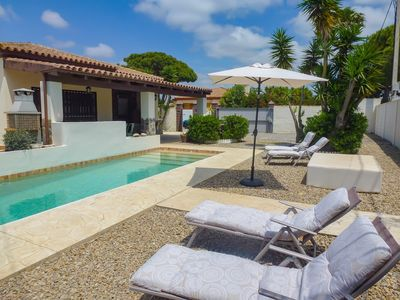Photo for Beautiful villa with private pool, 5 min drive from the beach La Barrosa