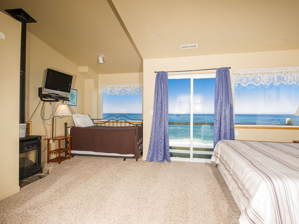 image luxury oregon beach beachfront vacation cheap ha heart s lincoln in hotels deal conservation pet bed yards of from home bedroom aead property the city area friendly