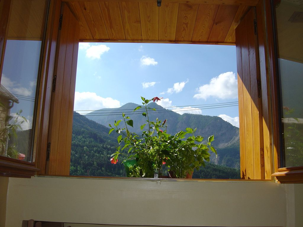 Nice studio with garden facing the mountain in val d 39 allos for Home landscape design studio for mac 14 1