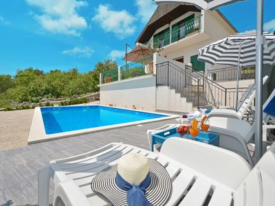 Photo for Vacation house with pool and view on Adriatic sea