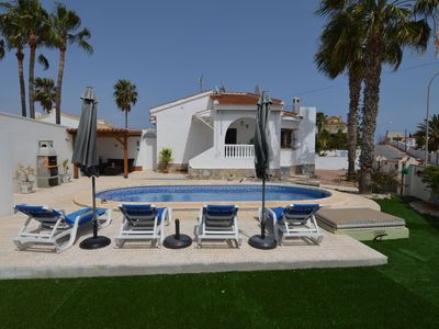 Photo for Villa with private swimming pool in Queseda