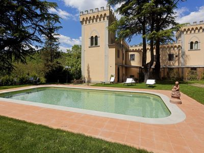 Photo for Edera apt in stunning villa, Chianti, 2 bedrooms, 2 baths, terraces and pool