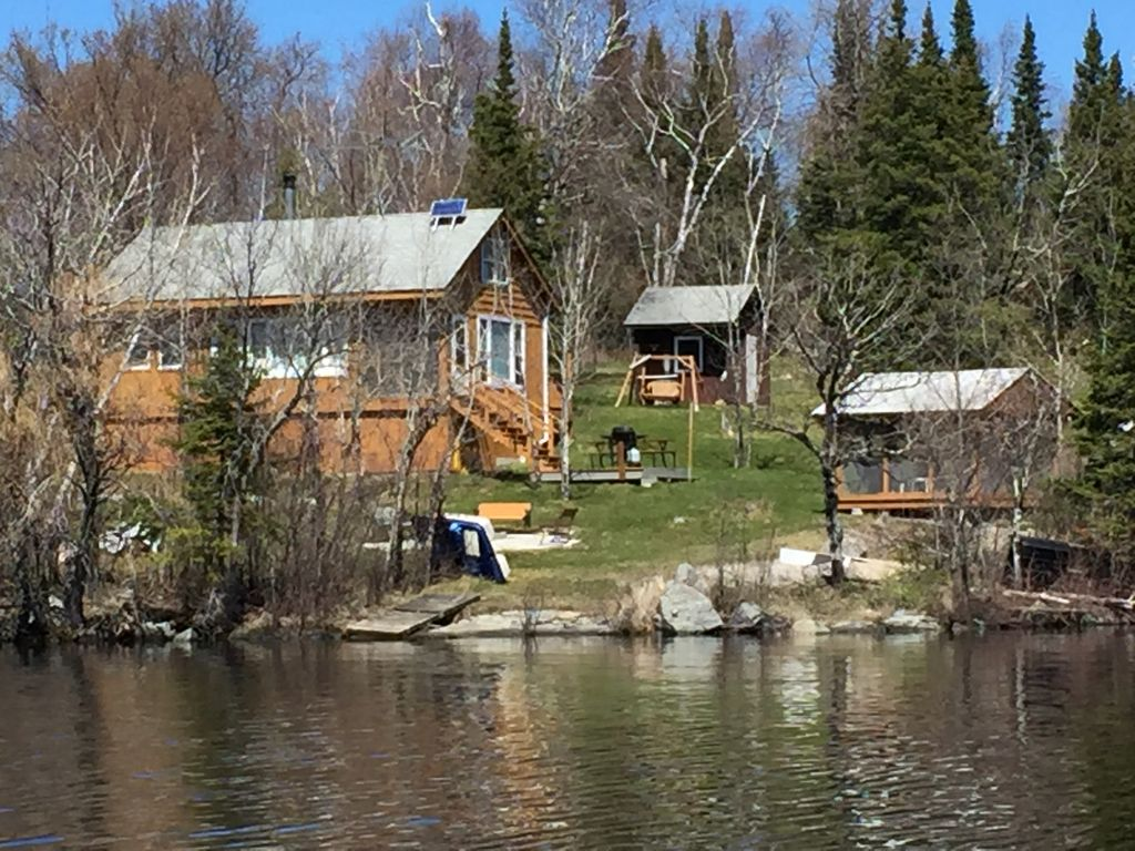 of mallard double with on sleeper sofa minnesota orig the pine rentals bedroom in room great views cathedral right home a and cabin cabins resort queen aire dining twins kabetogama is lake there ceiling