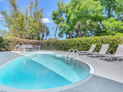 Photo for 4BR/2BA Duplex in Tarpon Springs – Minutes to America's Best Beaches!
