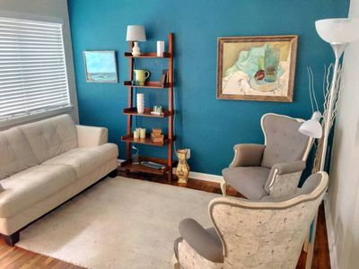 Photo for Gorgeous Pad Steps to Bars & Shops ★ 1BR