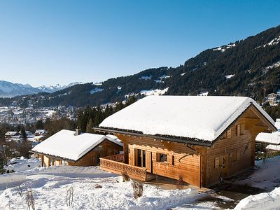 Photo for Vacation home Chalet Petit Roc  in Villars, Alpes Vaudoises - 10 persons, 4 bedrooms