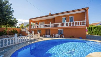 Photo for Ideal for family holidays, private pool Villa, 5 minutes from the beach