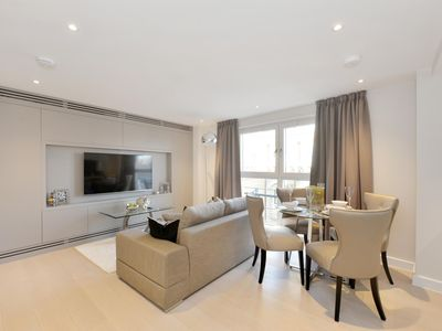 Photo for Beautiful Furnished Modern One Bedroom Apartment Victoria, London.