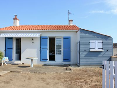 Photo for Between Ocean and salt marsh, this charming house awaits you