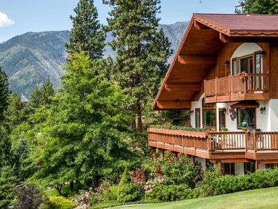 Photo for Intimate & Romantic New B&B 1.5 miles from Leavenworth!