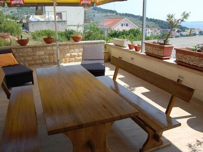 Photo for Two bedroom apartment with terrace and sea view Bilo, Primošten (A-3090-g)