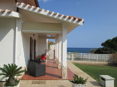 Photo for seafront villa only 20 meters from the beach and a few km from Pula