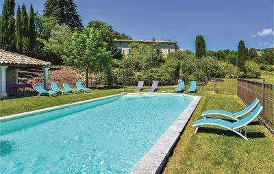 Photo for 7 bedroom accommodation in Vaison la Romaine