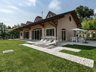 Photo for Exclusive country villa with private garden on the outskirts of the city