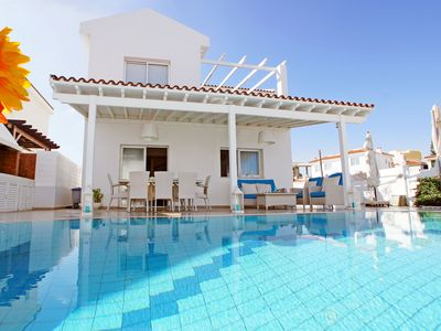 Photo for MARGOT - 3Bed VILLA within walking distance to MALAMA Golden Sandy Beach