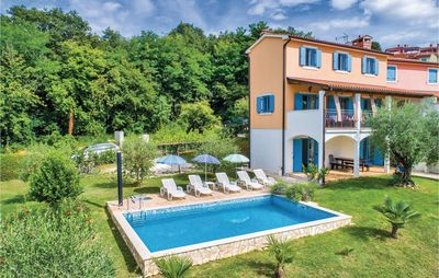 Photo for 4BR House Vacation Rental in Porec