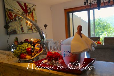 Skiview Guests are Welcomed with Fresh Fruit and Chilled Bubbly !