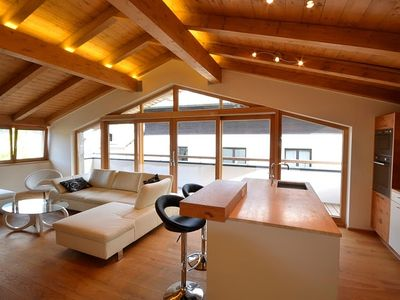 Photo for Centrally Located 3 bedroom Duplex Penthouse 200m to the ski lift. Sleeps 8