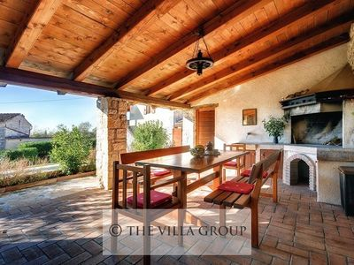 Photo for Villa located in the peaceful village of Pacici