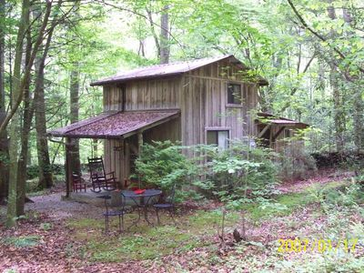 Private/secluded & Sanitized in Mature Woods by Park short walk to Creek Pets OK