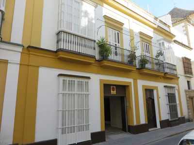 Photo for LOVELY APARTMENT WITH GARDEN, GARAGE AND PATIO IN HISTORIC CENTER