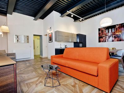 Photo for Elegant 2bdr in the heart of Rome!