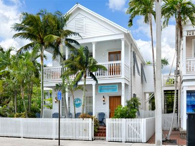~ MAISONS de LUXE ~ 2 Stunning Homes w/ Private Pool ON DUVAL.  Dogs OK!