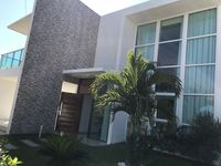 We enjoyed the house a lot. Very close to the beach