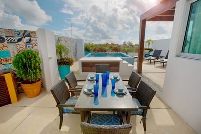 Huge rooftop patio with plunge pool just for you!