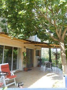 Photo for independent apartment in a villa on large wooded land 10 minutes from Aix