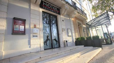 Photo for 1 bedroom accommodation in Nimes